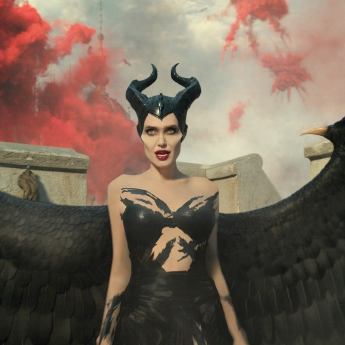The Maleficent Sequel S Battle Costumes Include Angelina Jolie And Michelle Pfeiffer In Hundreds Of Thousands Of Swarovski Gems Fashionista