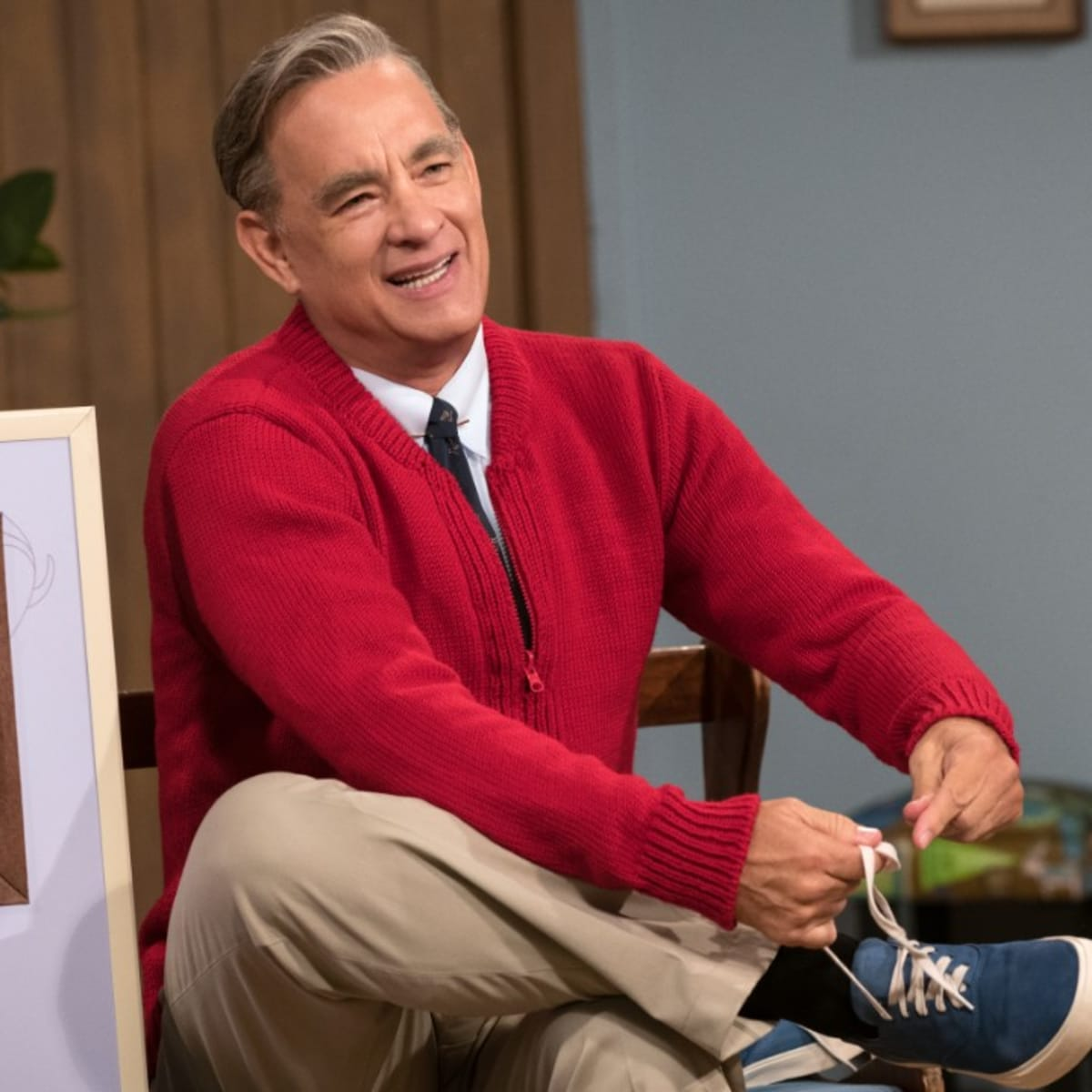 Tom Hanks Wears Some Of Mister Rogers Actual Clothes In A Beautiful Day In The Neighborhood Fashionista