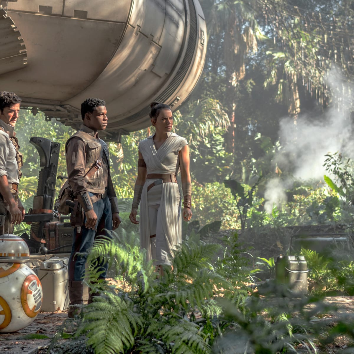 Star Wars The Rise Of Skywalker Costumes Pay Homage To Princess Leia And Han Solo Fashionista