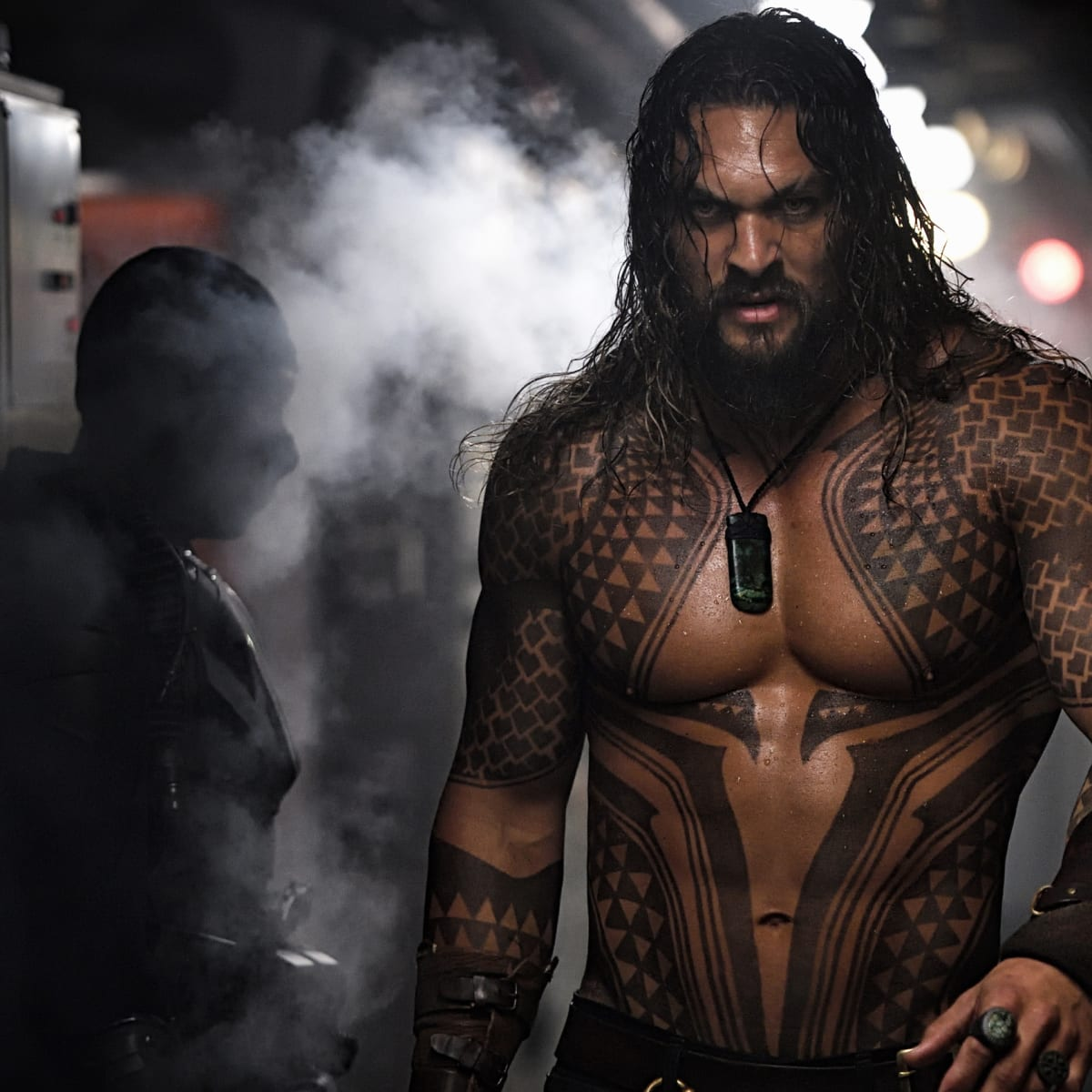 How Costume Helped Jason Momoa Become an Exceptionally Badass New 'Aquaman'  - Fashionista