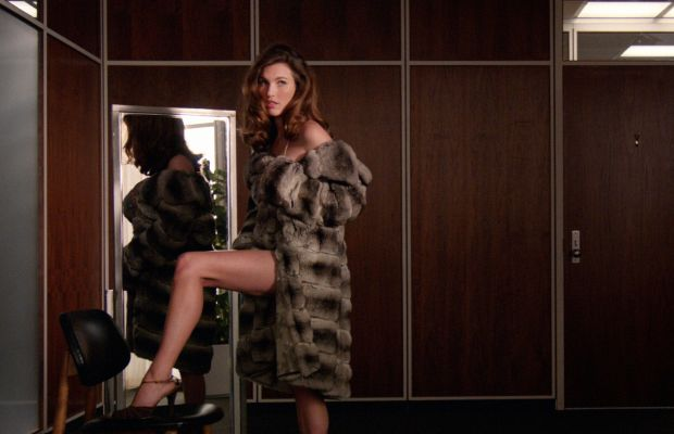 """Rainey Qualley plays a young model in a chinchilla coat on """"Mad Men."""" Photo: AMC"""