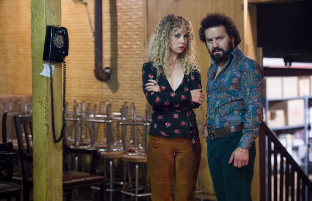 """Juno Temple as Jamie Vine and Max Casella as Julius """"Julie"""" Silver in""""Vinyl."""" Photo: Macall B. Polay/HBO."""