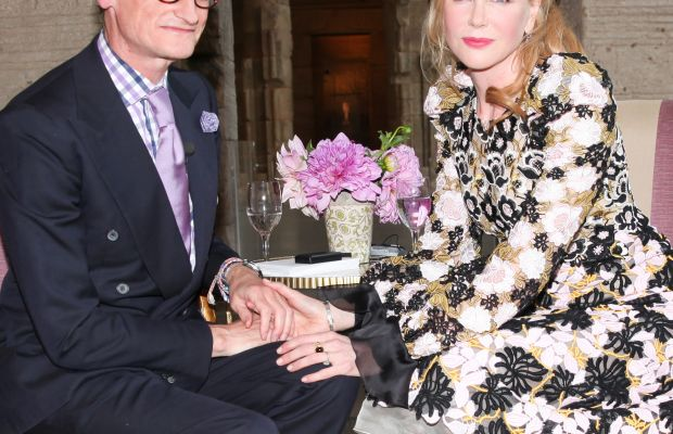 Hamish Bowles and Nicole Kidman get cozy during the Vogue''s Discussion on Costume in Film in the Metropolitan Museum of Art. Photo: Vogue