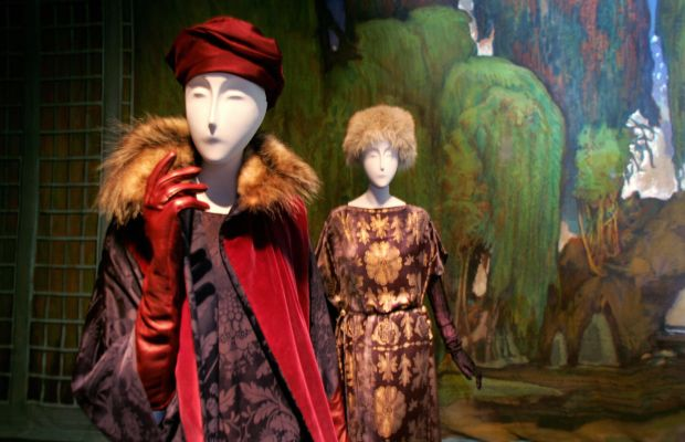 """Inside the """"Poiret: King of Fashion"""" exhibit at the Met in 2007. Photo: Don Emmert/AFP/Getty Images"""