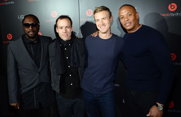 Ian Rogers, second from left, with Will.i.am, Beats by Dre president Luke Wood and Dr. Dre. Photo: Ethan Miller/Getty Images