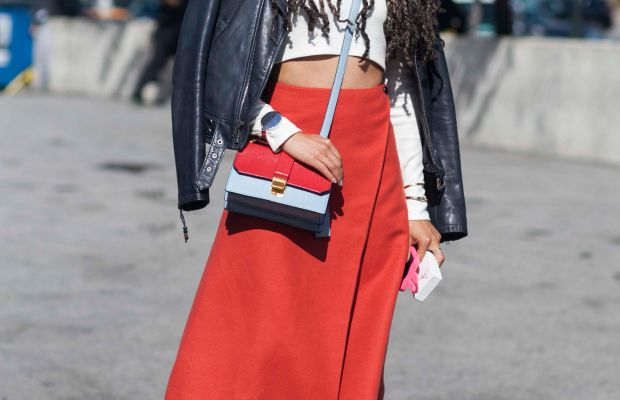 Teen Vogue's Elaine Welteroth in Theory top, Miu Miu bag and Jenni Kayne shoes. Photo: Emily Malan/Fashionista