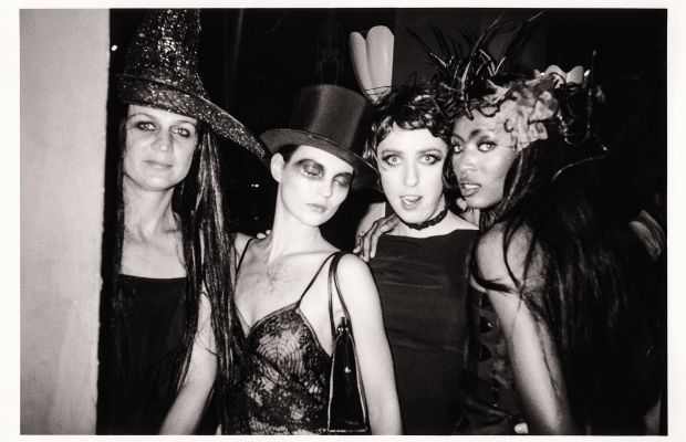 Supper Club Halloween, New York City, 1997: Kate Moss and Naomi Campbell. Photo: Kelly Klein