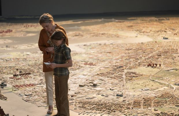 Julianne Moore Wears Costumes From 3 Different Eras in 'Wonderstruck'