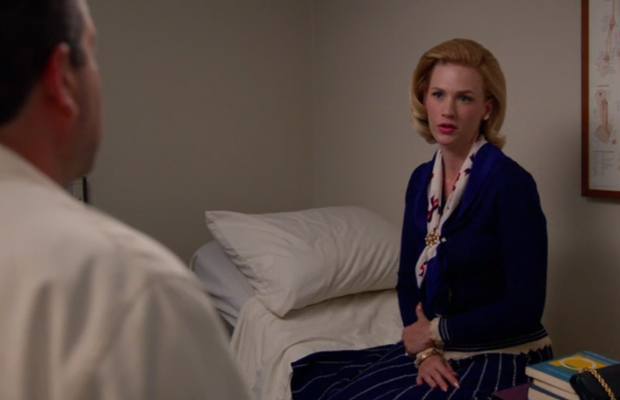Betty makes even a broken rib look fashionable. Screengrab: AMC