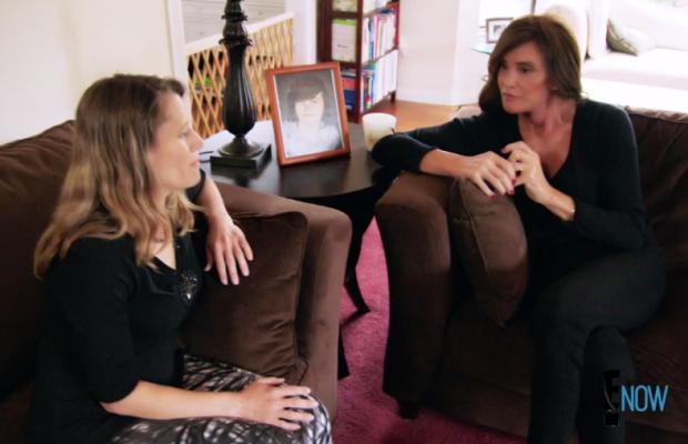 Jenner visits Kyler Prescott's mother, Katherine. Screengrab: E!
