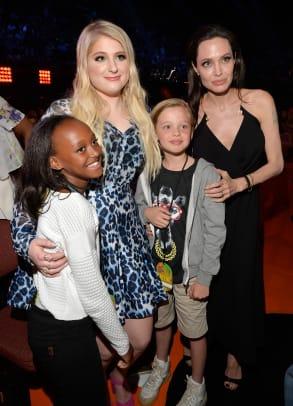 shiloh-zahara-angelina-jolie-pitt-kids-choice-awards.jpg