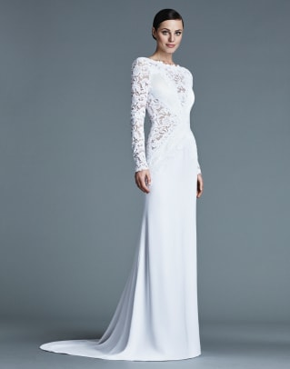 j-mendel-lace-long-sleeve-bridal-2016-dress.jpg