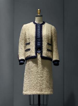 02.Suit,Chanel,1963-68.jpg