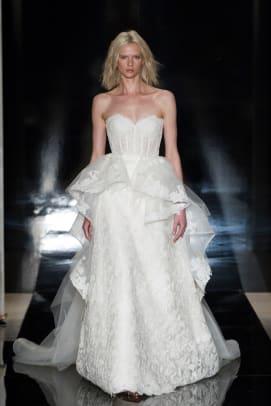 reem-acra-detachable-overskirt-bridal-spring-2017.jpg