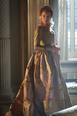 queen-elizabeth-season-three-reign.jpg