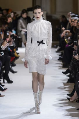 giambattista-valli-fall-2017-02