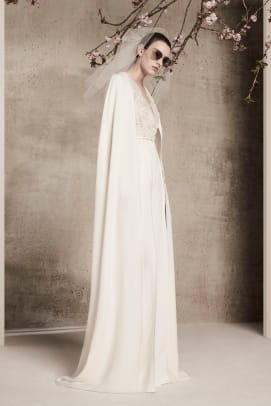 elie-saab-spring-2018-bridal-cape