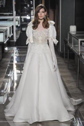 reem-acra-bridal-spring-2018-puff-sleeve