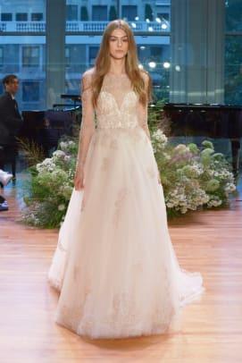 Monique-Lhuillier-wedding-dress-long-sleeve-fall-2017.jpg