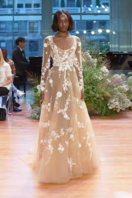 monique-lhuillier-wedding-dress-floral-embellishments-fall-2017.jpg