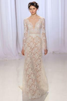 reem-acra-wedding-dress-long-sleeve-fall-2017.jpg