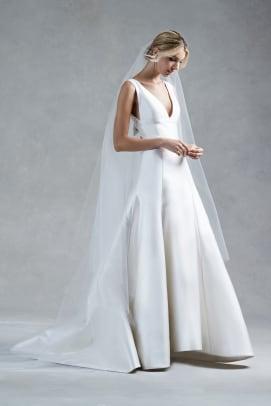 oscar-de-la-renta-wedding-dress-minimalism-fall-2017.jpg