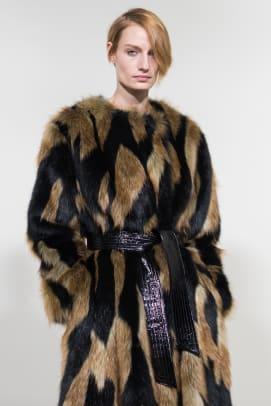 17_VERONIKA_1_Givenchy bks M RF18 5145