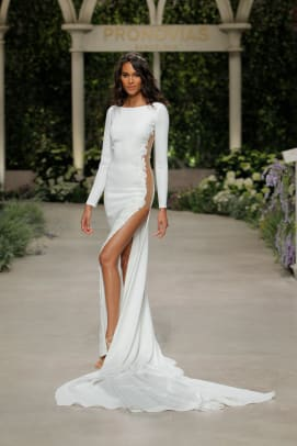 pronovias-2019-bridal-collections-CAMILLA_2