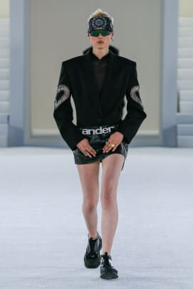 AW_SS19_LOOK-1