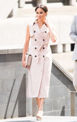 meghan markle trench coat dress