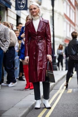 london-fashion-week-spring-2019-street-style-15