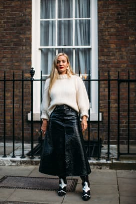 london-fashion-week-spring-2019-street-style-140