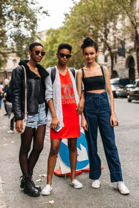 london-fashion-week-spring-2019-street-style-day-5-49