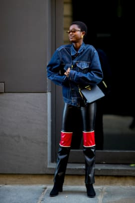 paris-fashion-week-spring-2019-street-style-day-7118