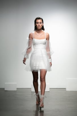 Rime_Arodaky-bridal-fall-2019-mini-wedding-dress