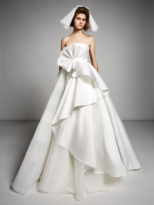 viktor-and-rolf-mariage-fall-2019-bridal-strapless-wedding-dress