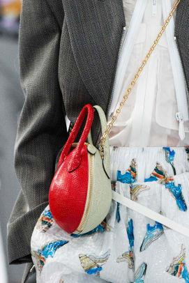 Vuitton bag S19 031