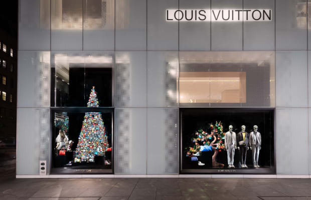 louis-vuitton-holiday-windows-2