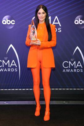 kacey-musgraves-versace-cma-awards-2018-4