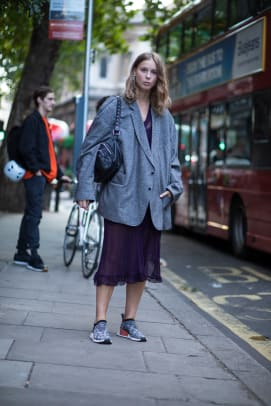 1-london-fashion-week-spring-2018-street-style-day-5
