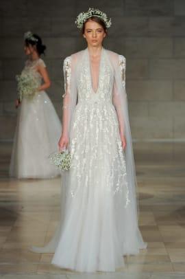 reem-acra-wedding-dress-cape-fall-2018-bridal.jpa