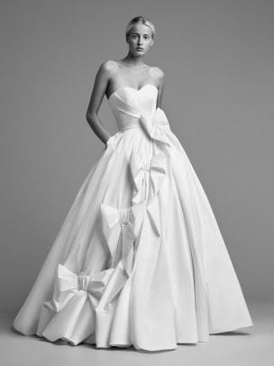 viktor-and-rolf-mariage-bows-wedding-dress-fall-2018-bridal