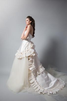 randi-rahm-fall-2018-wedding-dress-bridal-ruffles