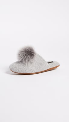 slippers-pom-poms