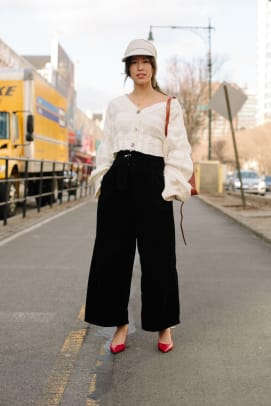 new-york-fashion-week-street-style-fall-2018-day-1-20