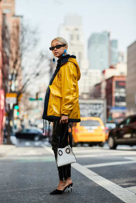 new-york-fashion-week-street-style-fall-2018-day-2-58
