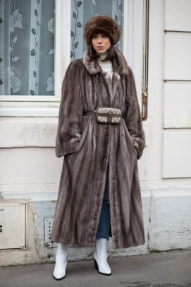 paris-fashion-week-street-style-fall-2018-day-1-16