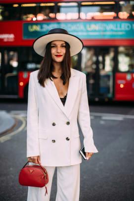 London-Fashion-Week-Spring-2020-Beauty-Street-Style24
