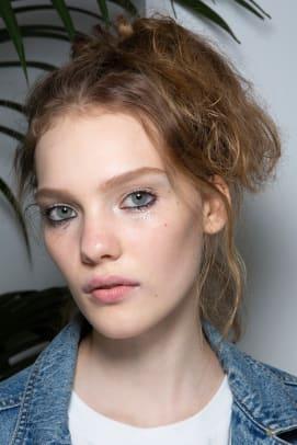 Fendi-Spring-2020-makeup-02