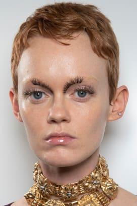 Gucci-Spring-2020-makeup-01